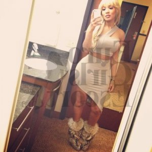Becky live escort in White Oak Ohio