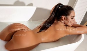 Corentine live escort and happy ending massage