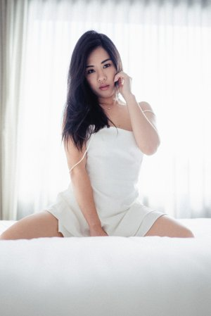 Hylda thai massage in Newark New York, live escorts