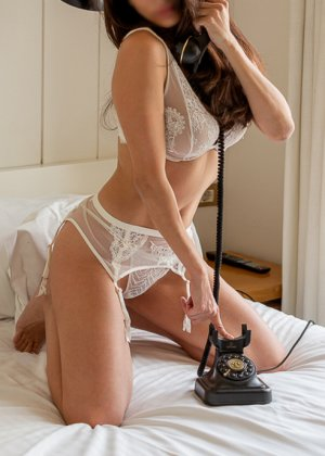 Mesmine nuru massage in North Ridgeville Ohio & live escort